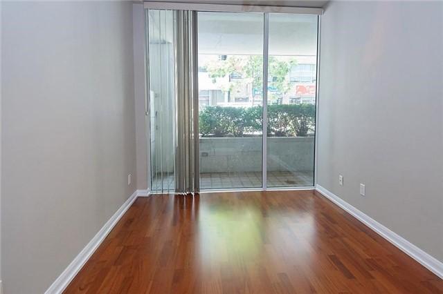 Condo Apartment at 111 Elizabeth St, Unit 106, Toronto, Ontario. Image 14