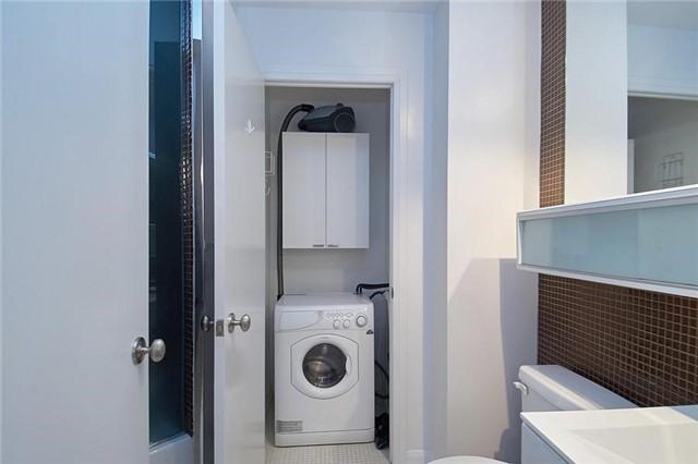 Condo Apartment at 111 Elizabeth St, Unit 106, Toronto, Ontario. Image 16