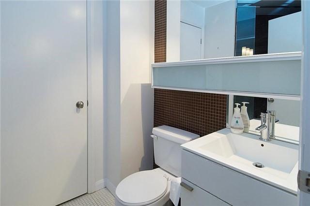 Condo Apartment at 111 Elizabeth St, Unit 106, Toronto, Ontario. Image 2