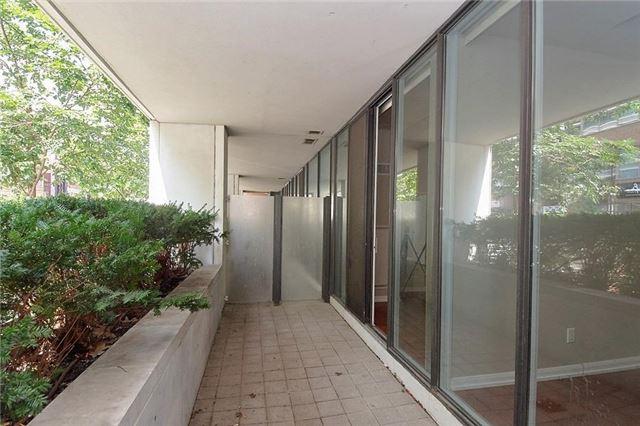 Condo Apartment at 111 Elizabeth St, Unit 106, Toronto, Ontario. Image 3