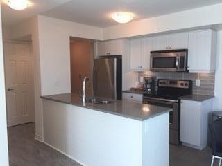 Condo Apartment at 25 Lower Simcoe St, Unit 1807, Toronto, Ontario. Image 5