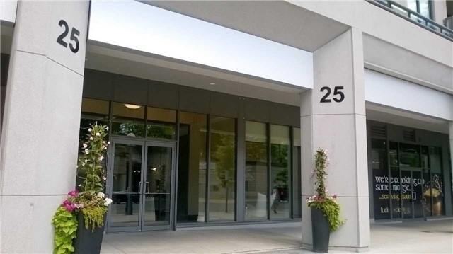 Condo Apartment at 25 Lower Simcoe St, Unit 1807, Toronto, Ontario. Image 4