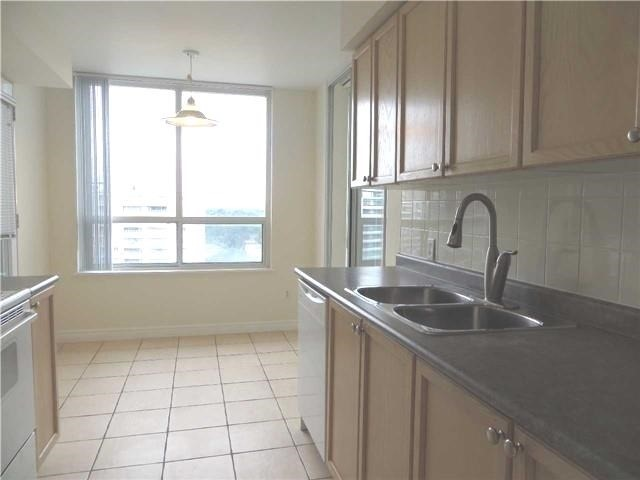 Condo Apartment at 18 Parkview Ave, Unit 1910, Toronto, Ontario. Image 17