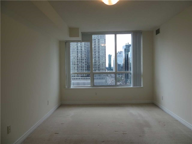 Condo Apartment at 18 Parkview Ave, Unit 1910, Toronto, Ontario. Image 20