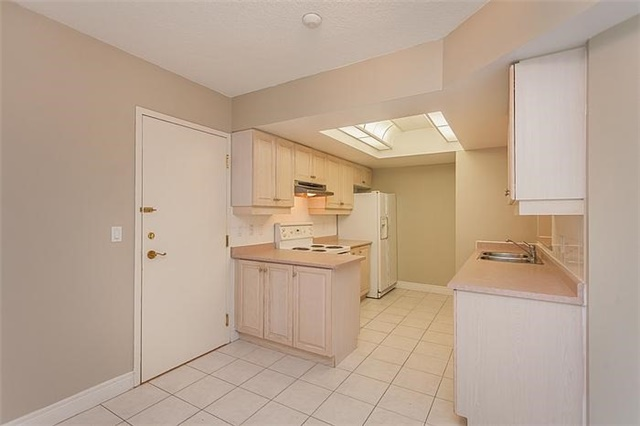 Condo Townhouse at 5418 Yonge St, Unit 113, Toronto, Ontario. Image 6