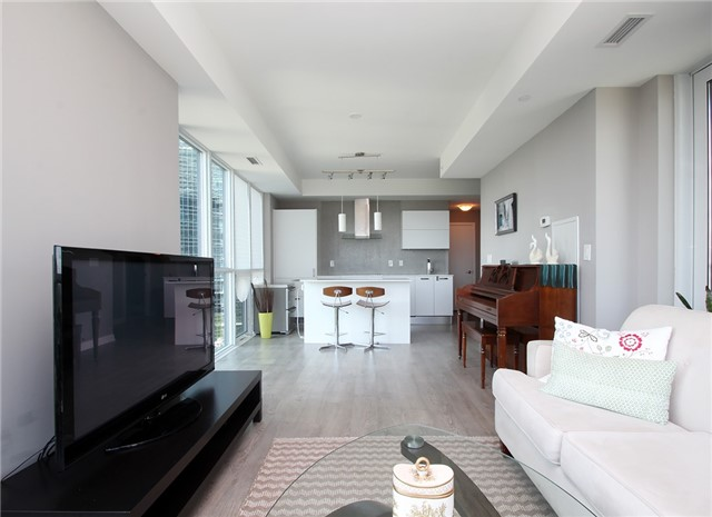 Condo Apartment at 9 Bogert Ave, Unit 1103, Toronto, Ontario. Image 10