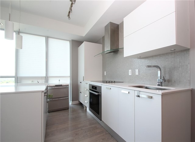 Condo Apartment at 9 Bogert Ave, Unit 1103, Toronto, Ontario. Image 17