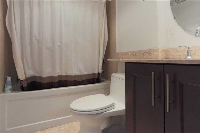 Condo Apartment at 35 Balmuto St, Unit 302, Toronto, Ontario. Image 2