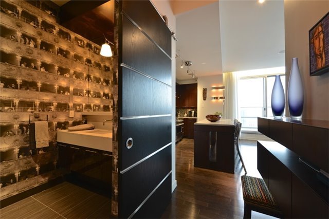 Condo Apartment at 126 Simcoe St, Unit Ph 3, Toronto, Ontario. Image 14