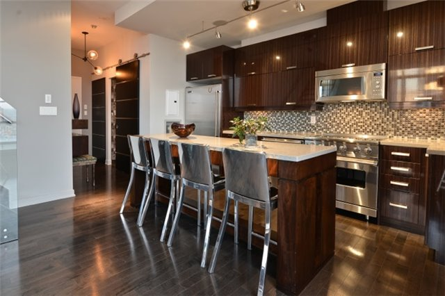 Condo Apartment at 126 Simcoe St, Unit Ph 3, Toronto, Ontario. Image 17