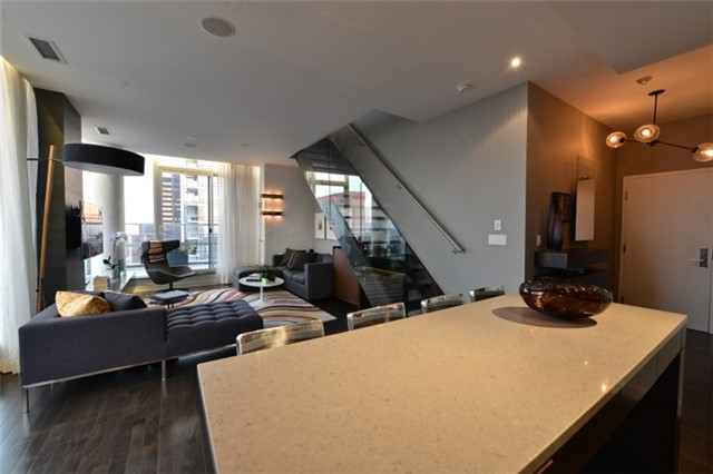 Condo Apartment at 126 Simcoe St, Unit Ph 3, Toronto, Ontario. Image 19