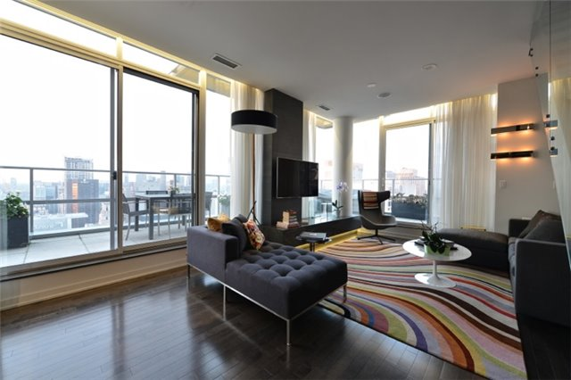 Condo Apartment at 126 Simcoe St, Unit Ph 3, Toronto, Ontario. Image 20