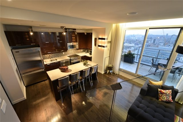 Condo Apartment at 126 Simcoe St, Unit Ph 3, Toronto, Ontario. Image 11