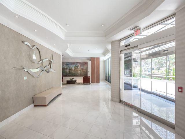 Condo Apartment at 300 Bloor St E, Unit 3004, Toronto, Ontario. Image 14