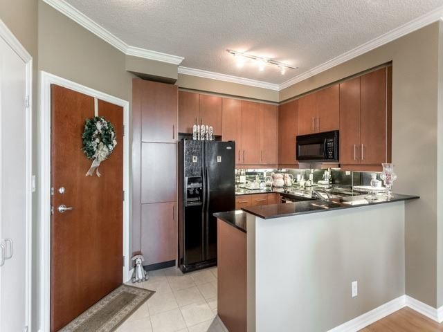 Condo Apartment at 300 Bloor St E, Unit 3004, Toronto, Ontario. Image 15