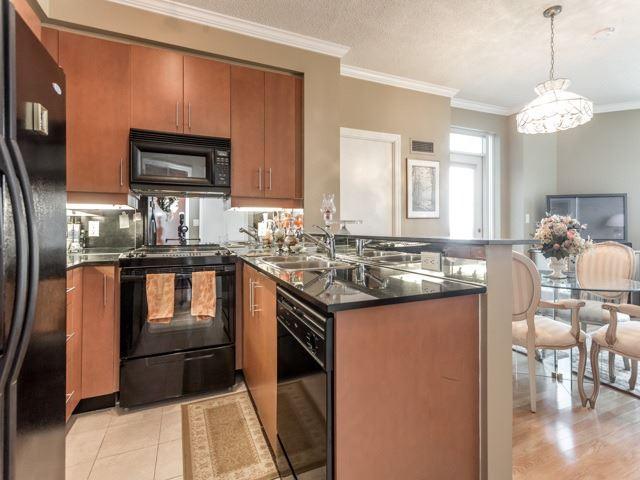 Condo Apartment at 300 Bloor St E, Unit 3004, Toronto, Ontario. Image 16