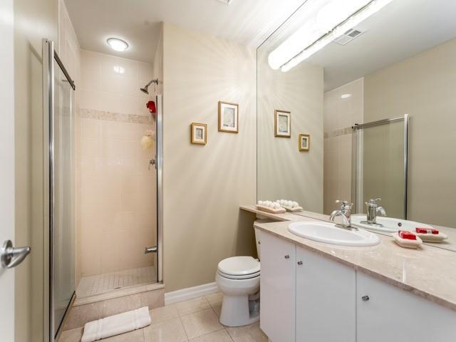 Condo Apartment at 300 Bloor St E, Unit 3004, Toronto, Ontario. Image 9
