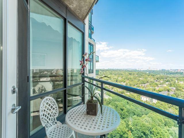 Condo Apartment at 300 Bloor St E, Unit 3004, Toronto, Ontario. Image 10