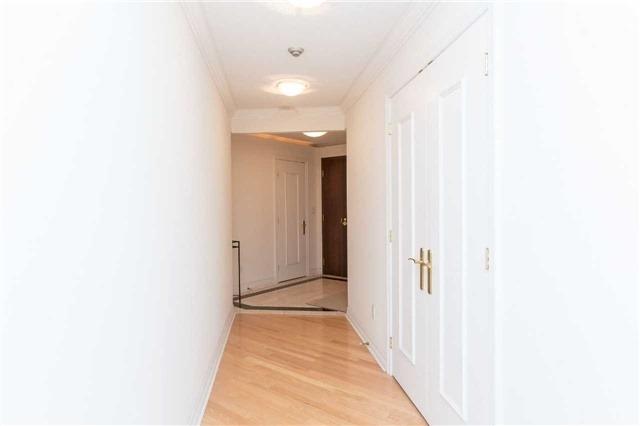 Condo Apartment at 2727 Yonge St, Unit 404, Toronto, Ontario. Image 12