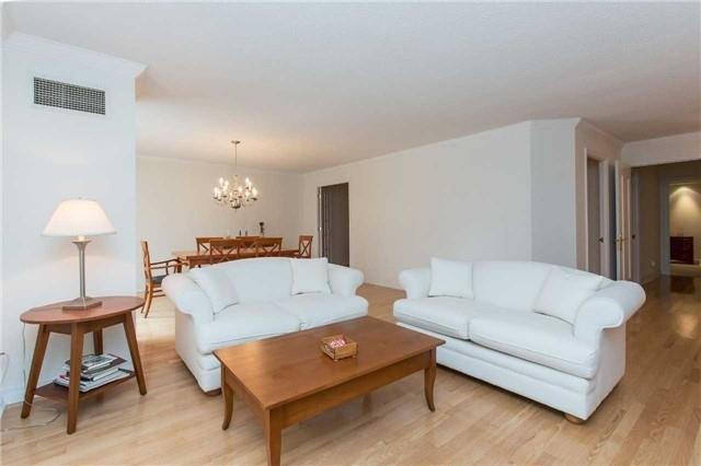 Condo Apartment at 2727 Yonge St, Unit 404, Toronto, Ontario. Image 13