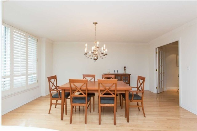 Condo Apartment at 2727 Yonge St, Unit 404, Toronto, Ontario. Image 14