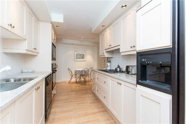 Condo Apartment at 2727 Yonge St, Unit 404, Toronto, Ontario. Image 15