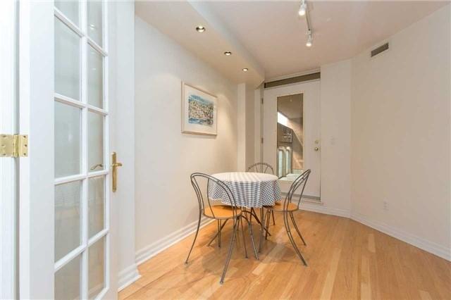 Condo Apartment at 2727 Yonge St, Unit 404, Toronto, Ontario. Image 16