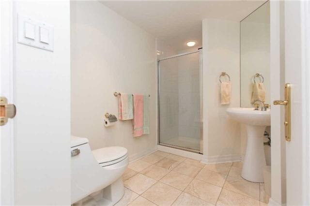 Condo Apartment at 2727 Yonge St, Unit 404, Toronto, Ontario. Image 3
