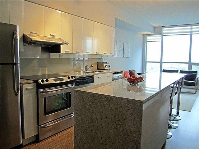 Condo Apartment at 33 Singer Crt, Unit 3010, Toronto, Ontario. Image 14