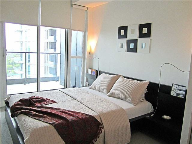 Condo Apartment at 33 Singer Crt, Unit 3010, Toronto, Ontario. Image 18