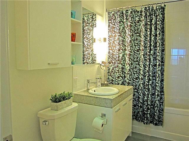 Condo Apartment at 33 Singer Crt, Unit 3010, Toronto, Ontario. Image 19