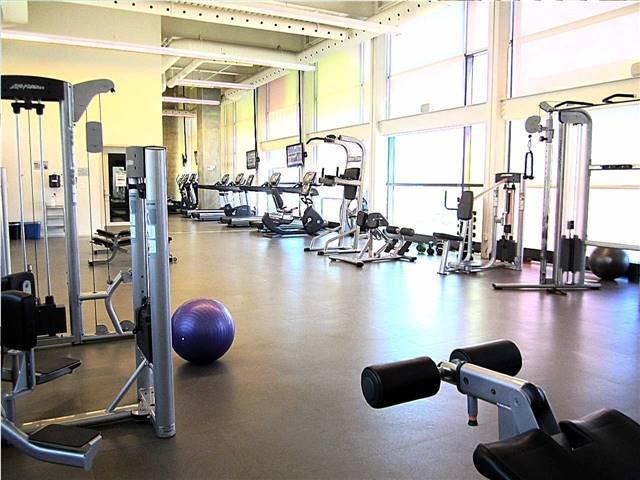 Condo Apartment at 33 Singer Crt, Unit 3010, Toronto, Ontario. Image 9