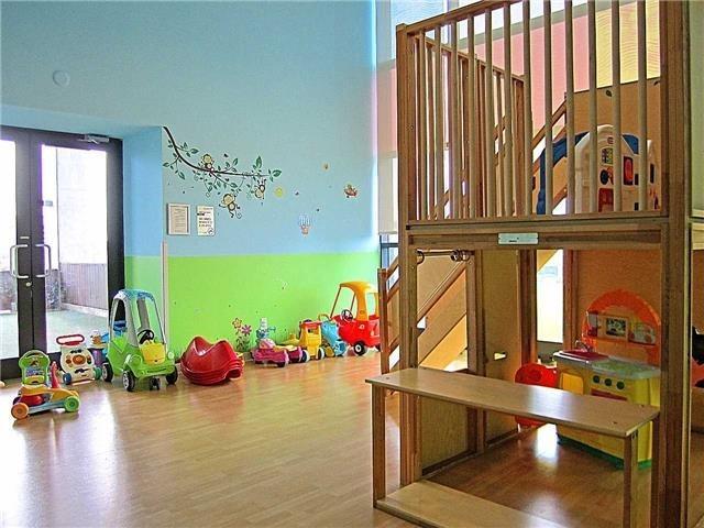 Condo Apartment at 33 Singer Crt, Unit 3010, Toronto, Ontario. Image 10