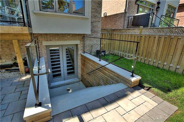 Detached at 182 Alfred Ave, Toronto, Ontario. Image 11
