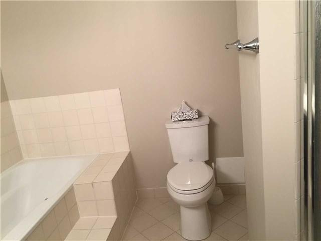Condo Apartment at 10 Kenneth Ave, Unit 1509, Toronto, Ontario. Image 9