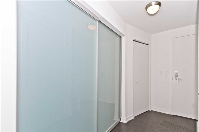 Condo Apartment at 51 East Liberty St, Unit 807, Toronto, Ontario. Image 15