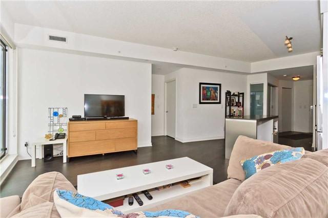 Condo Apartment at 51 East Liberty St, Unit 807, Toronto, Ontario. Image 3