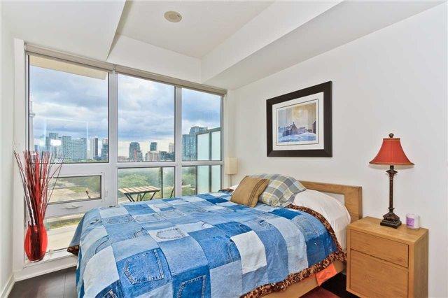 Condo Apartment at 51 East Liberty St, Unit 807, Toronto, Ontario. Image 4
