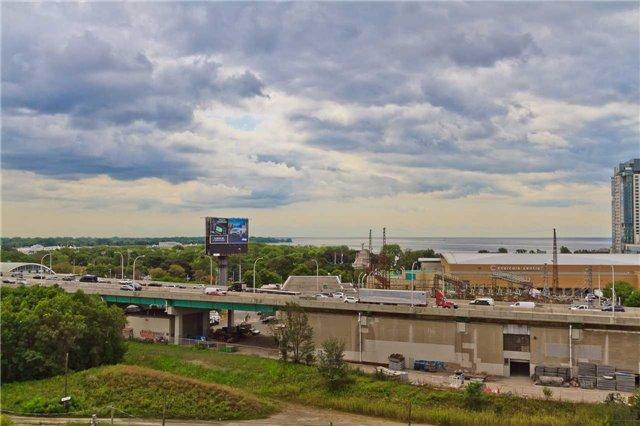 Condo Apartment at 51 East Liberty St, Unit 807, Toronto, Ontario. Image 13