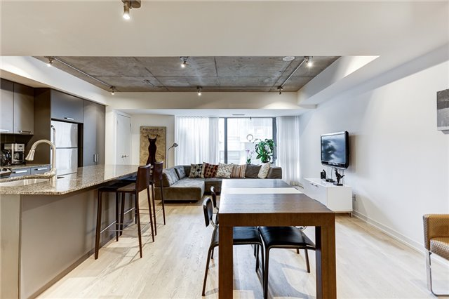 Condo Apartment at 95 Bathurst St E, Unit 109, Toronto, Ontario. Image 12
