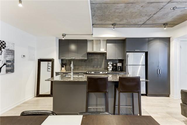 Condo Apartment at 95 Bathurst St E, Unit 109, Toronto, Ontario. Image 17
