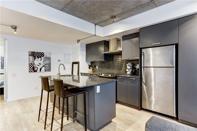 Condo Apartment at 95 Bathurst St E, Unit 109, Toronto, Ontario. Image 18