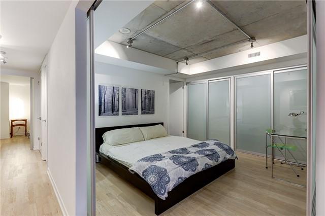 Condo Apartment at 95 Bathurst St E, Unit 109, Toronto, Ontario. Image 8