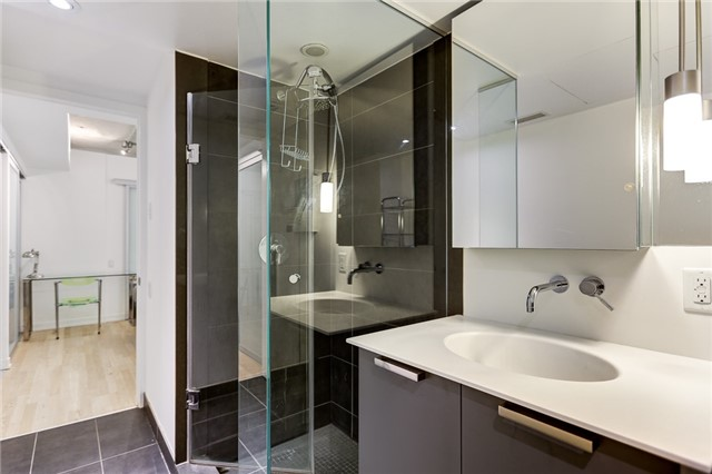 Condo Apartment at 95 Bathurst St E, Unit 109, Toronto, Ontario. Image 13