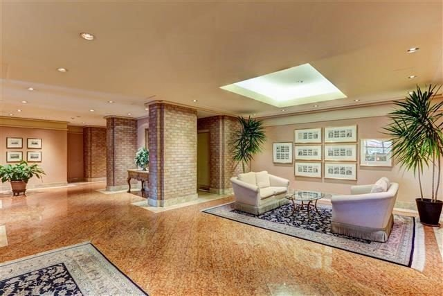 Condo Apartment at 160 Frederick St, Unit 904, Toronto, Ontario. Image 12