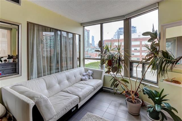 Condo Apartment at 160 Frederick St, Unit 904, Toronto, Ontario. Image 13