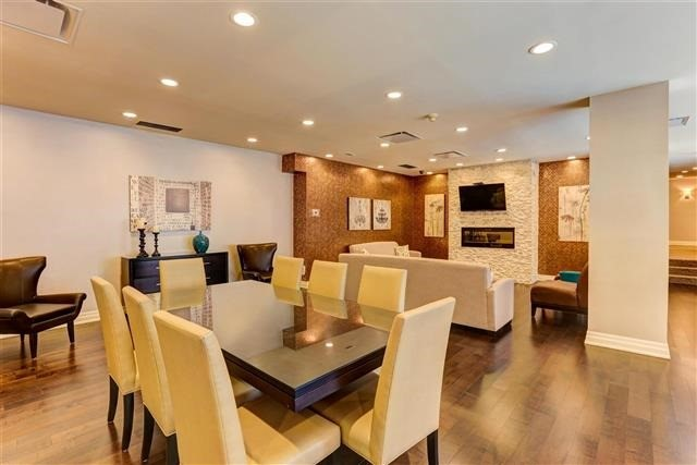 Condo Apartment at 160 Frederick St, Unit 904, Toronto, Ontario. Image 8
