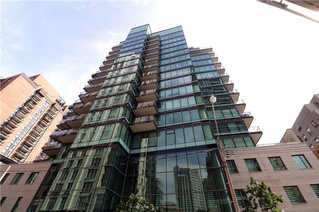Condo Apartment at 77 Charles St W, Unit 1002, Toronto, Ontario. Image 13