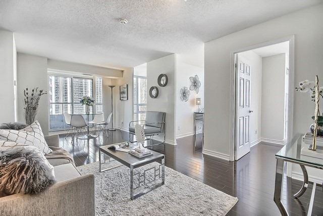 Condo Apartment at 35 Hollywood Ave, Unit 1019, Toronto, Ontario. Image 15