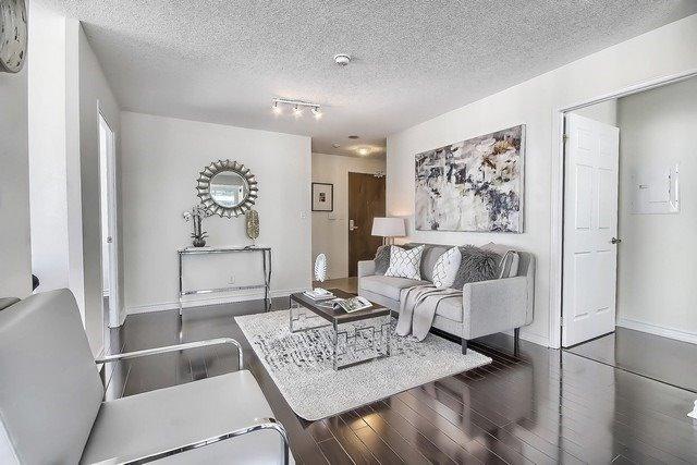 Condo Apartment at 35 Hollywood Ave, Unit 1019, Toronto, Ontario. Image 16